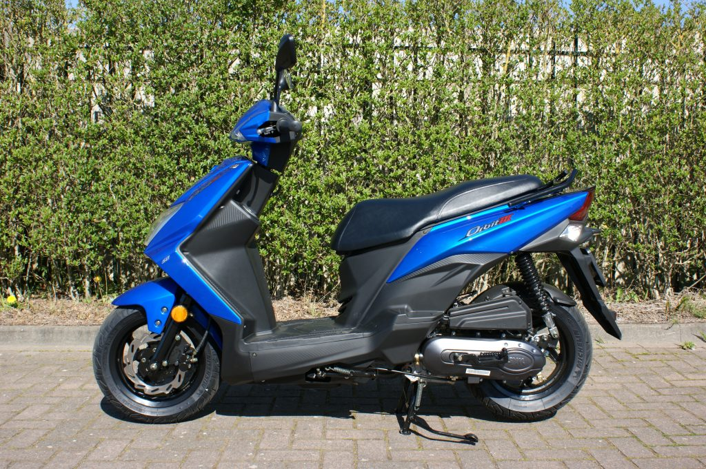 Nieuwe snor/brom scooter Sym Orbit 3