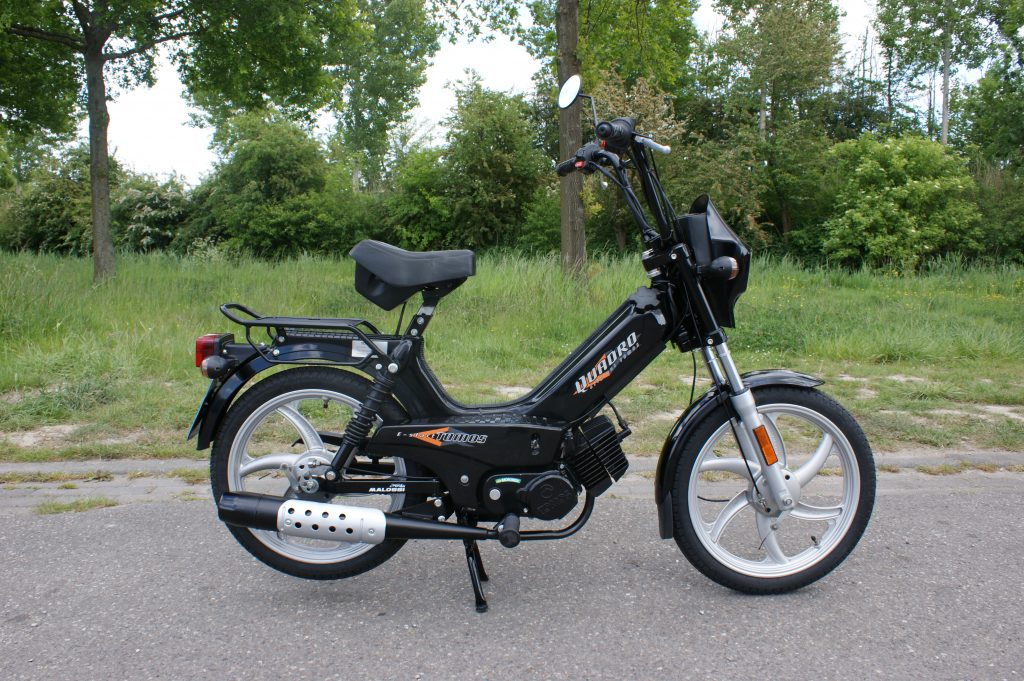 VERKOCHT Tomos Quadro E-start snorfiets